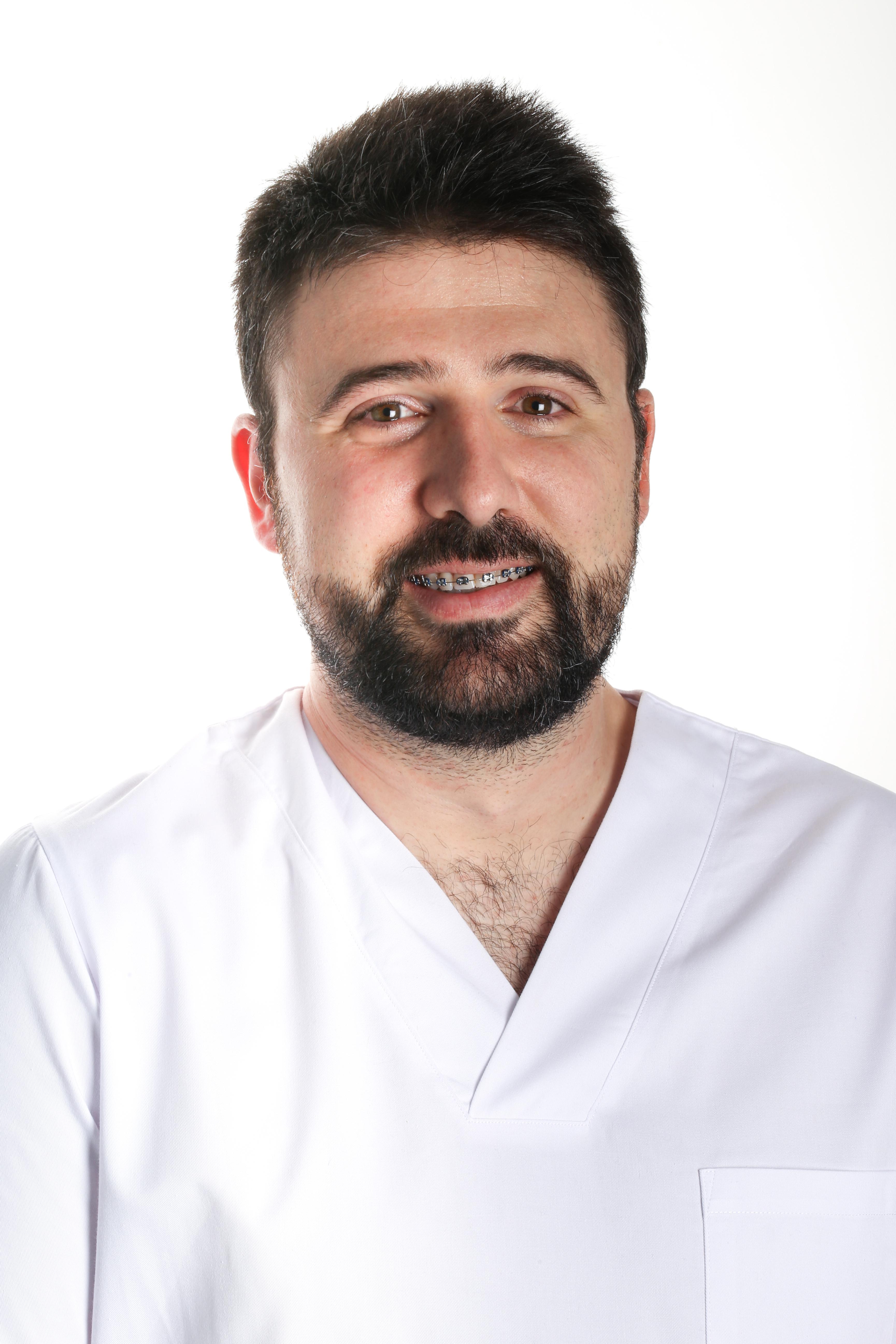 Dr. Gondra